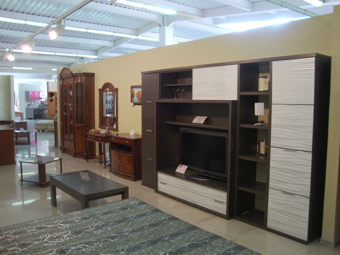 Широкий выбор мебели (стенки, горки, витрины, журнальные столы в Улан-Уде